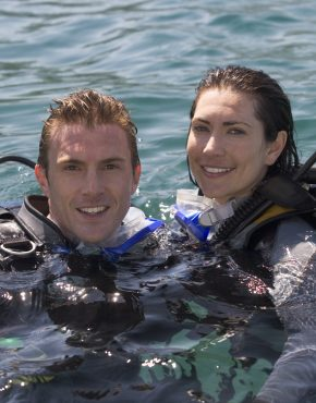 Couple scuba diving experience